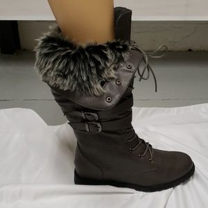 Shoes - Fur lined brownish /grey lace up boots!